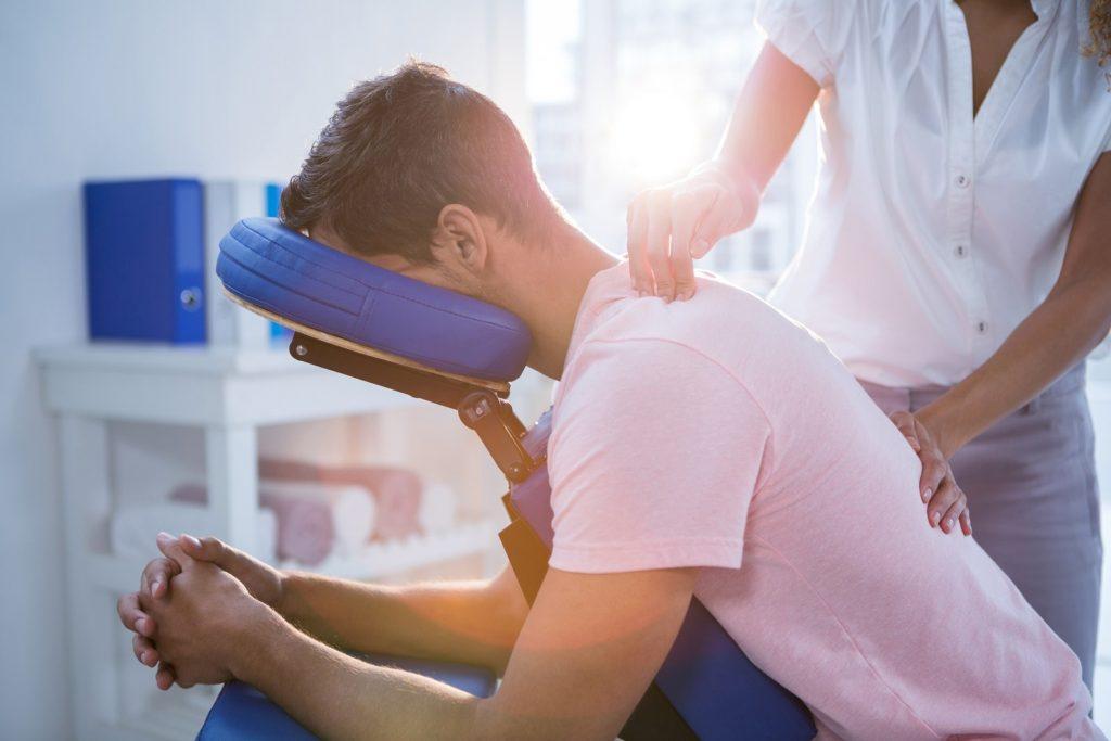 5-motivos-por-los-que-debes-ponerte-en-manos-de-un-quiropractico